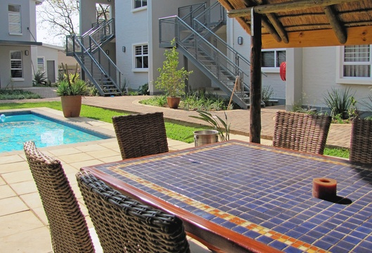 Apartments @ 125 - lapa & pool area